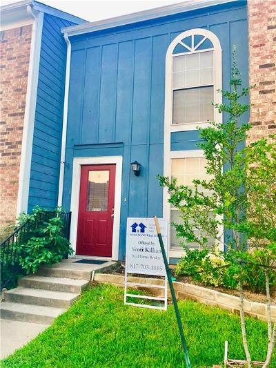 Euless Townhouse For Sale: 11 Abbey Road