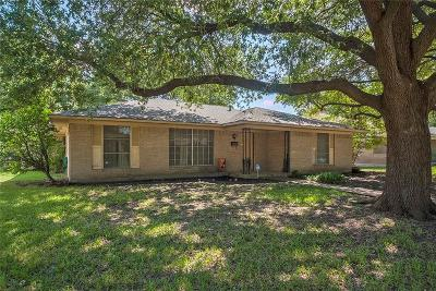 Dallas Single Family Home For Sale: 1752 Mapleton Drive