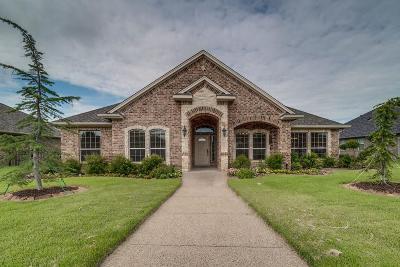 Waxahachie Single Family Home For Sale: 103 Pleiade Circle