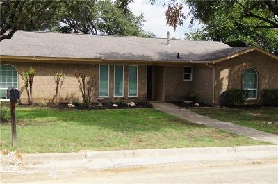 Bedford Single Family Home For Sale: 2201 Highcrest Drive