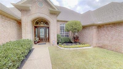 Granbury Single Family Home For Sale: 1205 Cliff Swallow Court