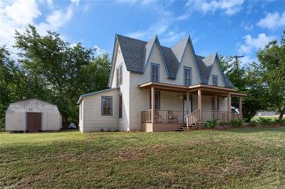 Van Alstyne Single Family Home For Sale: 453 E Marshall Street
