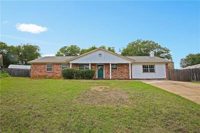 Euless Single Family Home For Sale: 405 Rambling Lane
