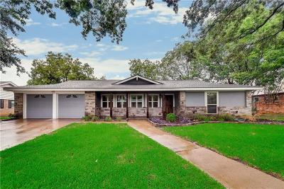Hurst Single Family Home For Sale: 193 Shady Lake Drive
