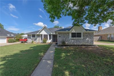 Denton County Single Family Home For Sale: 506 N 3rd Street