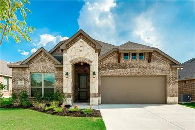 Waxahachie Single Family Home For Sale: 218 Buckskin Drive