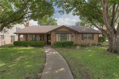 Hurst Single Family Home For Sale: 237 W Louella Drive