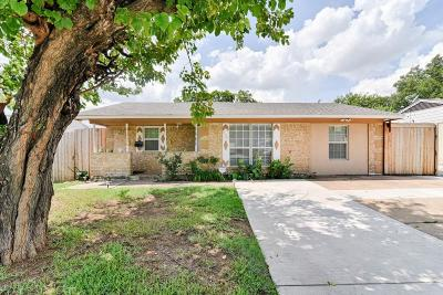 Grand Prairie Single Family Home Active Option Contract: 938 Pangburn Street