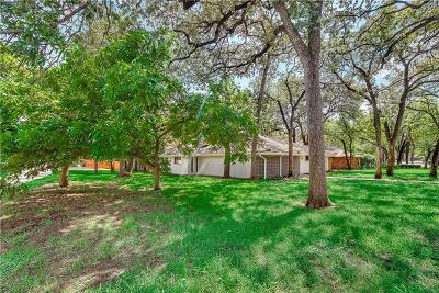 Hurst, Euless, Bedford Single Family Home For Sale: 1307 Pebble Creek
