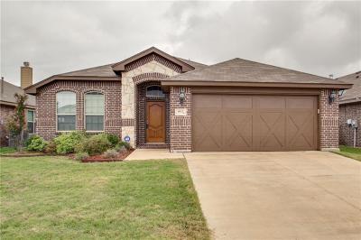 White Settlement Single Family Home For Sale: 8912 Sunset Court