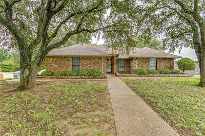 Crowley Single Family Home For Sale: 733 Daniels Drive