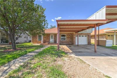 White Settlement Single Family Home For Sale: 629 Hallvale Drive