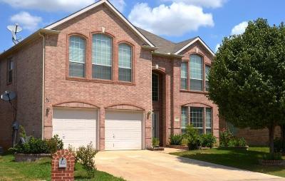 Euless Single Family Home For Sale: 13117 Spinning Glen Street
