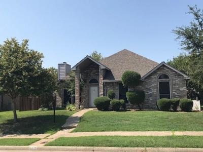 Rowlett Single Family Home For Sale: 8717 Pheasant Run Drive