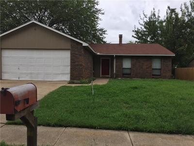Arlington Single Family Home For Sale: 6801 Blackberry Drive