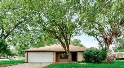 Irving Single Family Home Active Option Contract: 942 Joslin Street