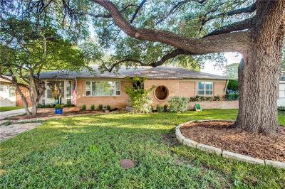 Single Family Home For Sale: 6347 E Lovers Lane