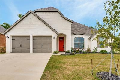 Benbrook Single Family Home For Sale: 333 Bluffside Trail