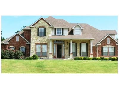 Cedar Hill Residential Lease For Lease: 2901 Emerald Sound Drive