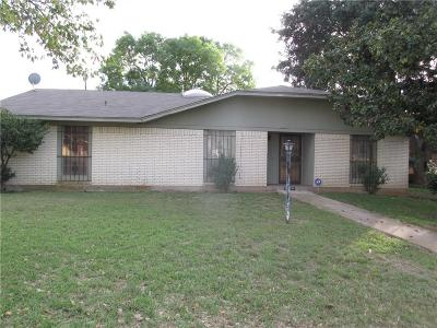 Dallas TX Single Family Home For Sale: $160,000