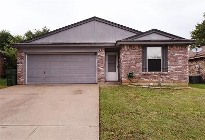 Mansfield Single Family Home Active Option Contract: 513 Mockingbird Drive
