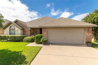 Burleson Single Family Home For Sale: 729 Blue Marlin Drive