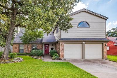 Euless Single Family Home For Sale: 302 Deacon Drive