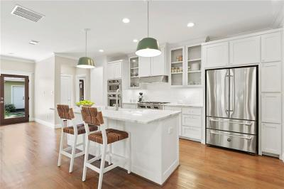 Dallas Single Family Home For Sale: 5822 Kenwood Drive