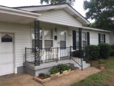 Hurst Single Family Home For Sale: 212 W Pecan Street
