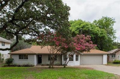 Euless Single Family Home For Sale: 610 Eastcliff Drive