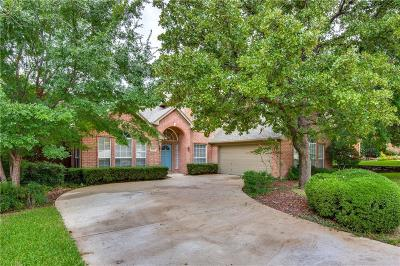 Grapevine Single Family Home For Sale: 2402 Houston Oaks Court