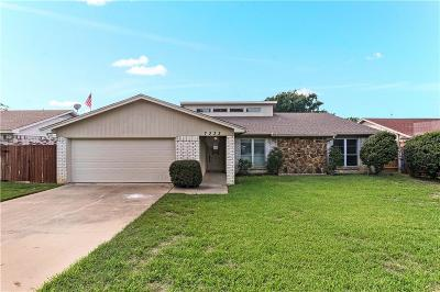North Richland Hills Single Family Home For Sale: 7233 Timberlane Drive