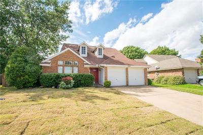 Haltom City Single Family Home For Sale: 5505 Maurie Drive