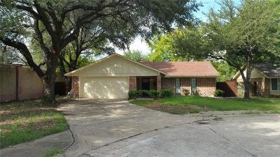 Grand Prairie Single Family Home Active Option Contract: 802 La Cresta Court
