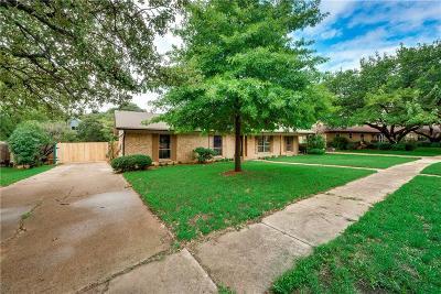 Arlington Single Family Home For Sale: 2206 Saint Claire Drive
