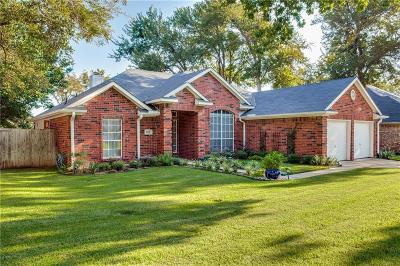 Hurst, Euless, Bedford Single Family Home Active Option Contract: 2217 Greendale Court