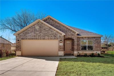 Grand Prairie Single Family Home For Sale: 613 14th Street