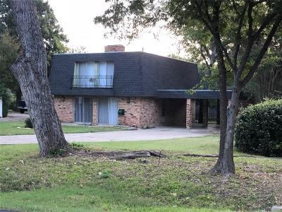 Grand Prairie Single Family Home For Sale: 2109 Monteleon Street