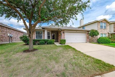 Fort Worth Single Family Home For Sale: 4217 Silverwood Trail