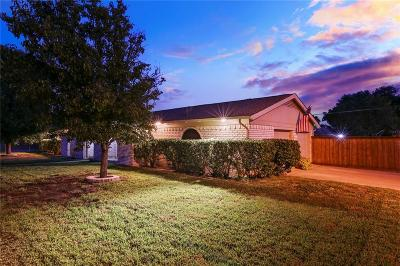 Hurst, Euless, Bedford Single Family Home For Sale: 720 Spring Lake Drive