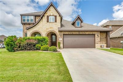 Burleson Single Family Home For Sale: 301 Colorado Drive