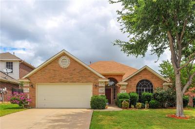 Arlington Single Family Home For Sale: 339 Mesquite Hill Drive