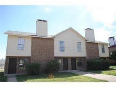 Garland Residential Lease For Lease: 2722 Wimbledon Court #C