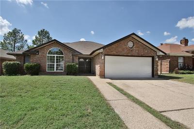 Arlington Single Family Home For Sale: 6220 Avanti