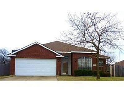 Cedar Hill Residential Lease For Lease: 548 Stonewall Drive