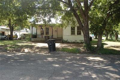 Cleburne Single Family Home Active Option Contract: 1002 S Anglin Street