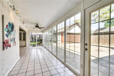 Arlington Single Family Home For Sale: 2111 Briarwood Boulevard