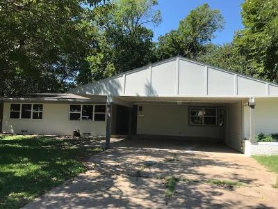 Irving Single Family Home For Sale: 623 Ridgecrest Drive