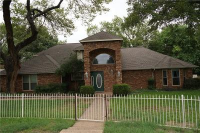 Mansfield Single Family Home Active Option Contract: 406 Lantern Ridge Court