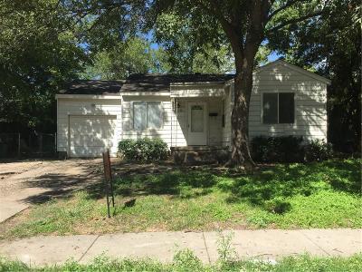 Garland Single Family Home For Sale: 609 Joyce Drive